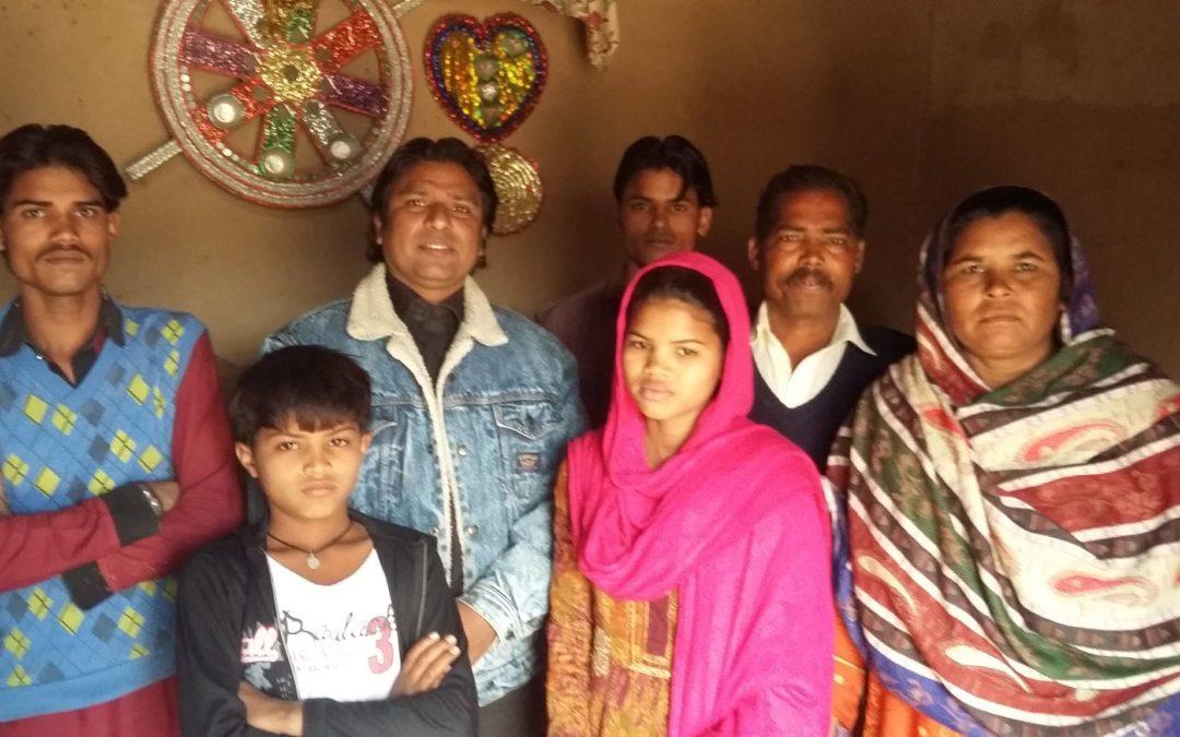 Manch Masih Family – 6 people