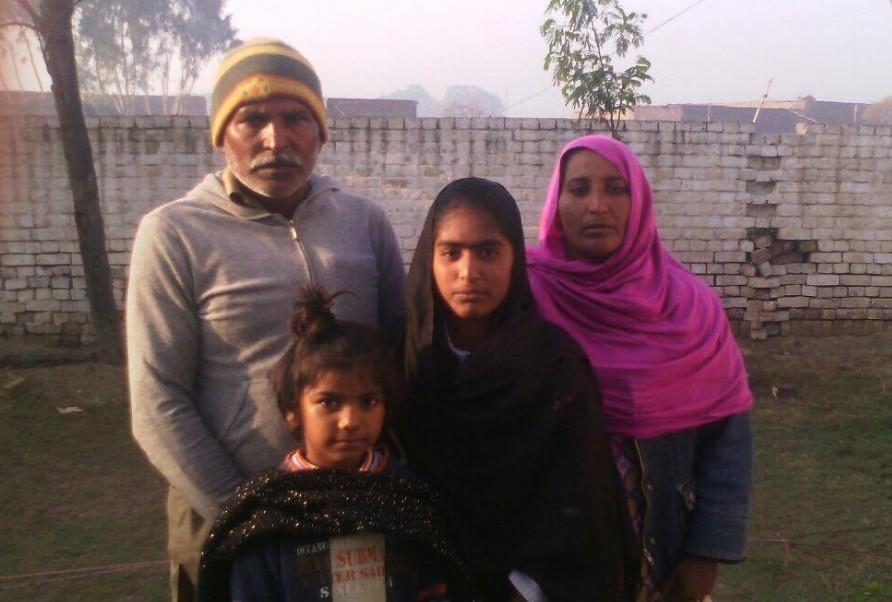 Javid Nazir family – 4 people – 2 1/2 years